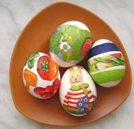 Пасхальные яйца с картинками из салфеток.