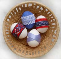 Окрашивание и украшение пасхальных яиц