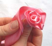 как сделать розу из шелковой ленты