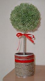 Материалы и инструменты: Флористическая губка (можно взять использованную губку, например, из букета...