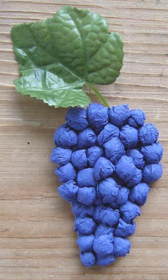 """Поделка из салфеток  """"Виноградная кисть """".  Материалы и инструменты: Картон синего цвета (мы использовали обложку от..."""